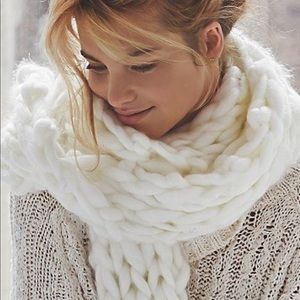 Free People Maggie Maye ivory chunky scarf NWOT